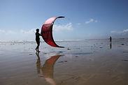 décollage d'une aile de kitesurf pendant un cours de kitesurf à l'école de Pentrez