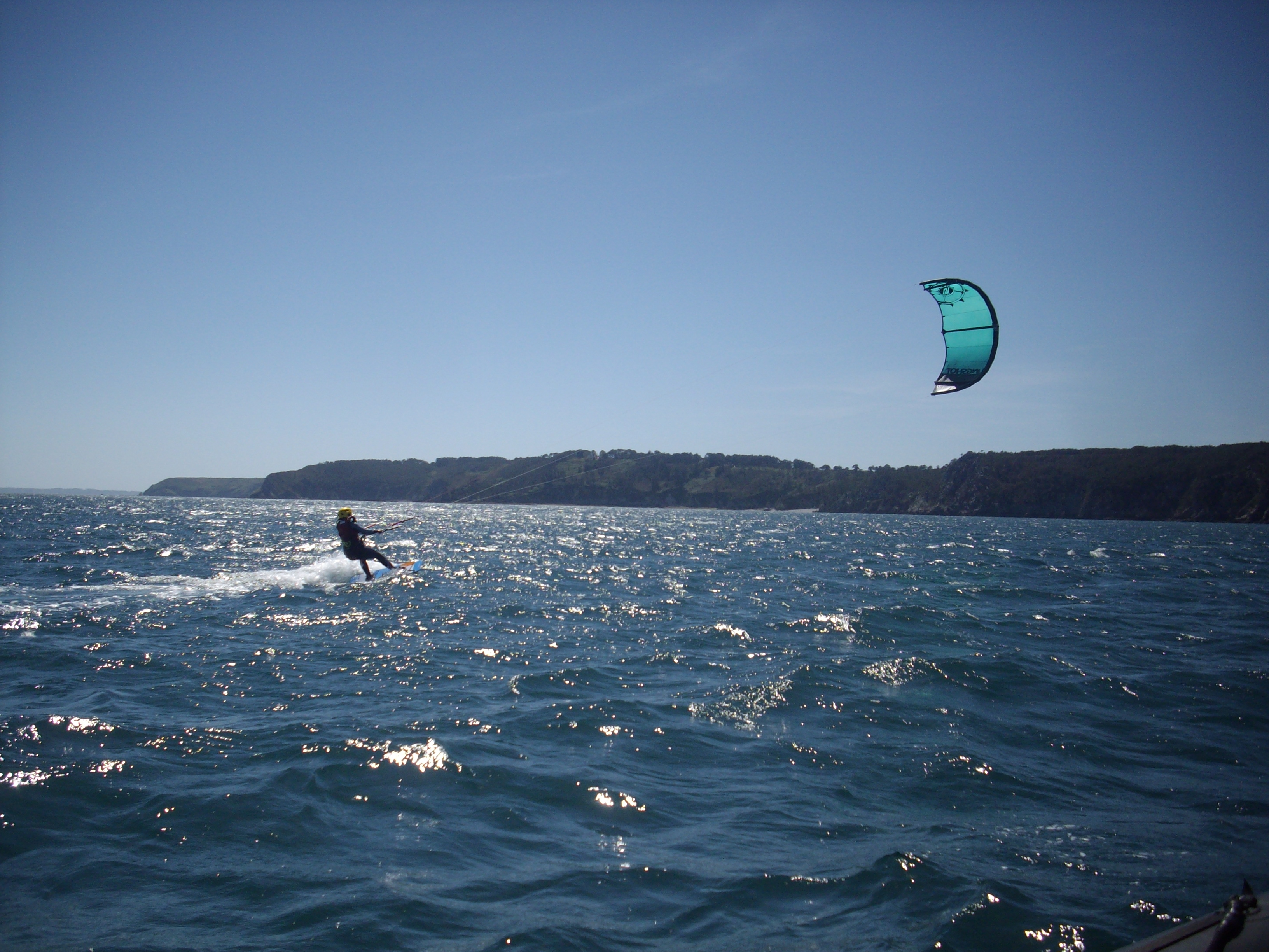 kite pleine eau baie de douarnenez