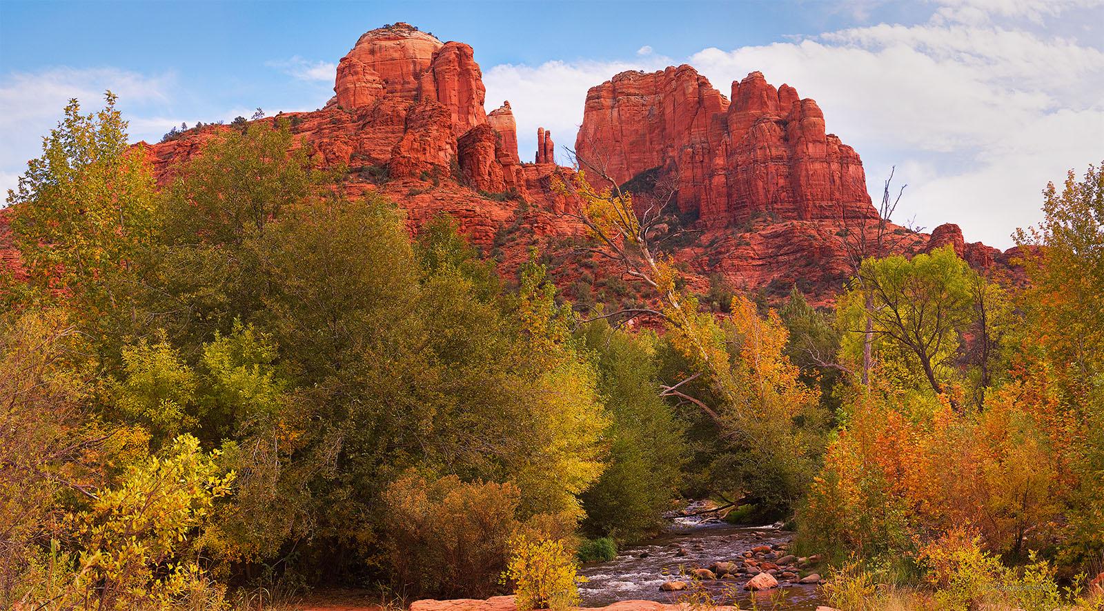 Autumn-at-Oak-Creek