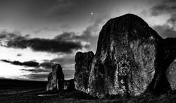 The Barrow and the Moon-1167