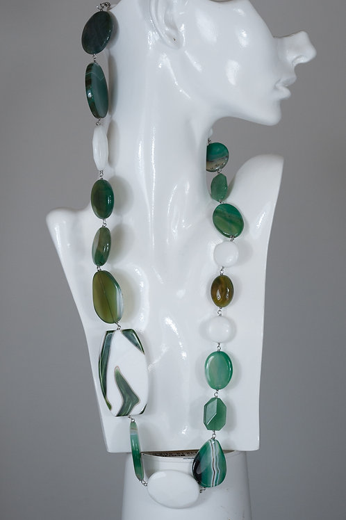 Originale collana in Agate e Resina dipinta a mano.