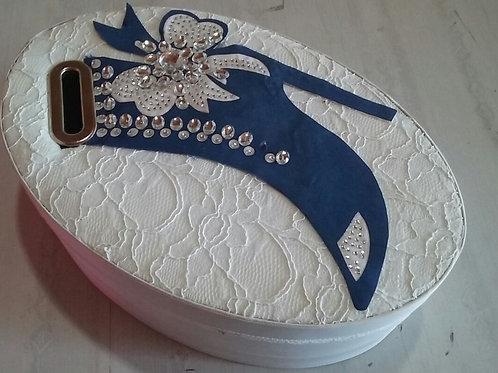 Caixa oval sapatinho da noiva