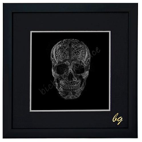 B/W metal skull