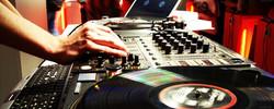 DJ_At_Work_2560x1024.jpg