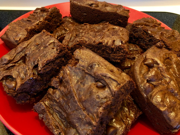 Easy Chocolate Chip Brownies Recipe