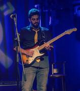 רז שלו- מורה לגיטרה