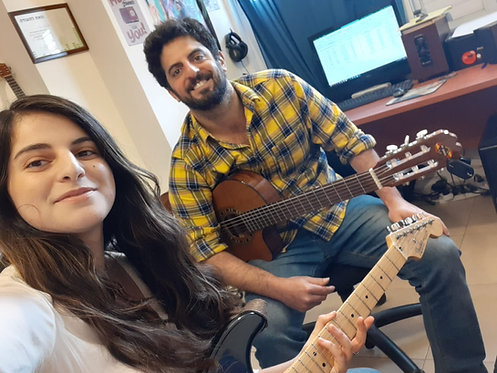 שיעורי גיטרה - סטודיו המורה