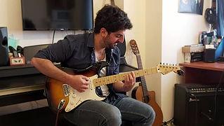 קישוטים מוזיקליים בגיטרה אונליין