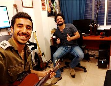 שיעור גיטרה סטודיו גיטרה מורה לגיטרה