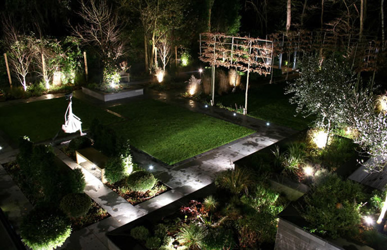astonishing garden lighting