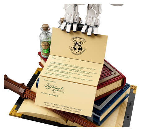 LEGO Harry Potter™ Hogwarts™ Icons Collectors' Edition: Option for Personalization