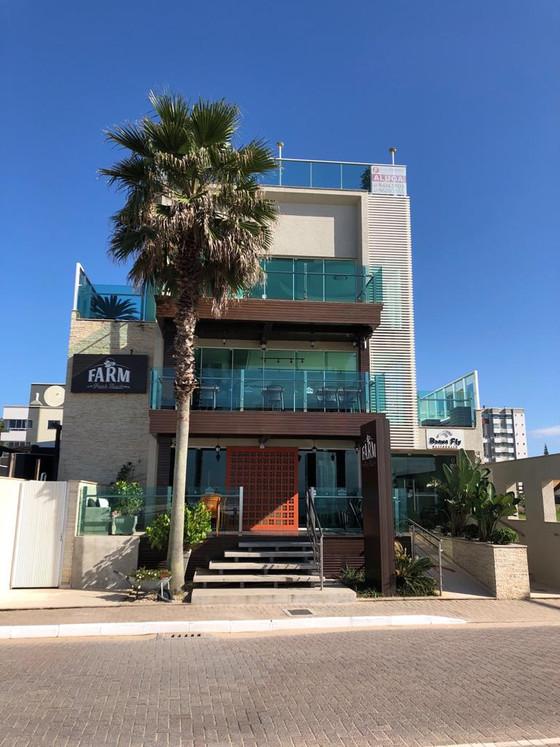 Excelente apartamento para locação, frente mar na Praia Brava Itajaí.