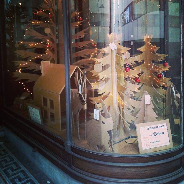 Venez découvrir notre vitrine de #Noël r