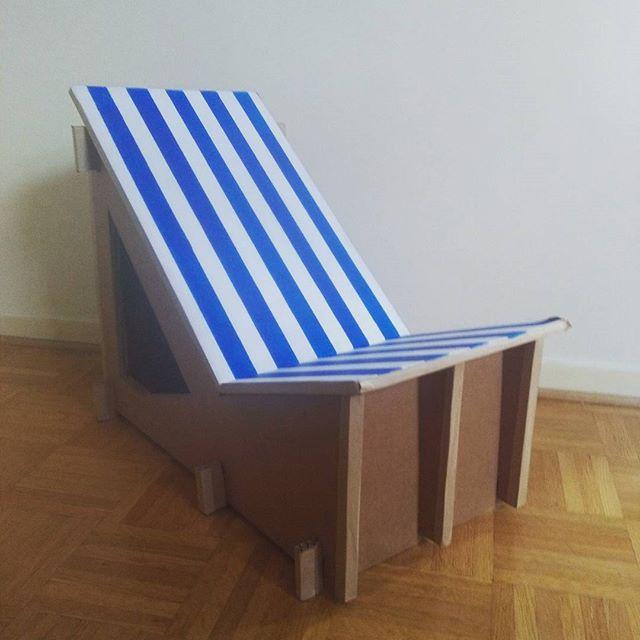 Chaise longue pour vitrine