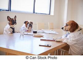 homens-negócios-sala-reuniões-três-vesti
