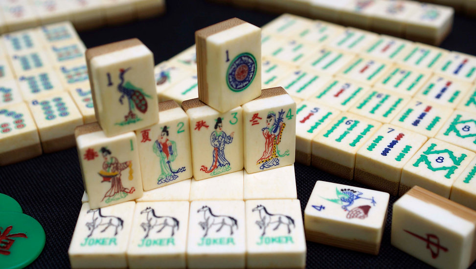 "Traveler ""Horse Jokers"" w/152 original tiles"