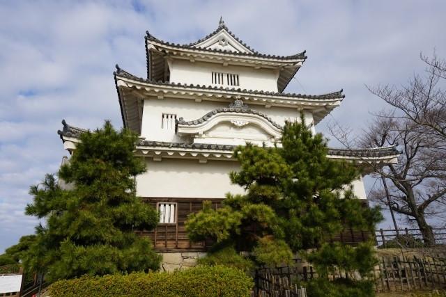 丸亀城天守閣(重要文化財)