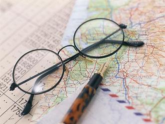 眼鏡と地図