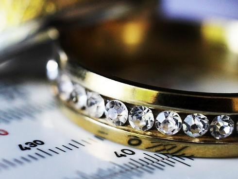 宝石のついた指輪の鑑定