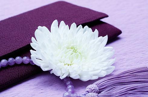 白い菊と数珠
