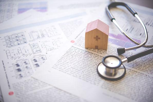 聴診器と家のおもちゃ
