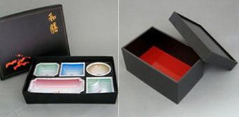 お弁当容器と箱
