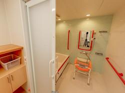 小さい浴室