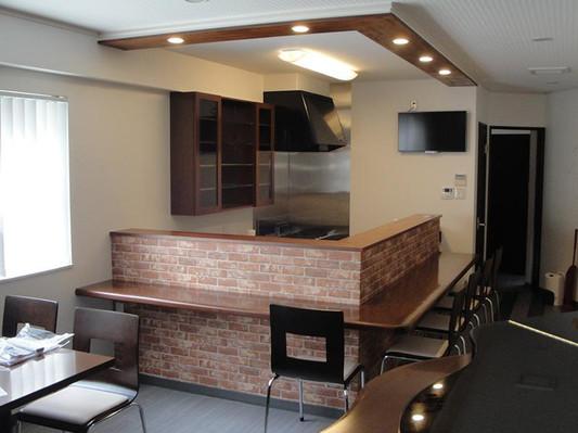 レンガでデザインされたキッチン