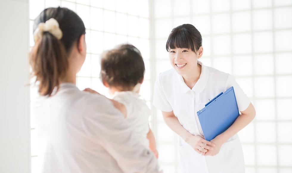 看護師と親子