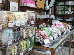 店内の和菓子