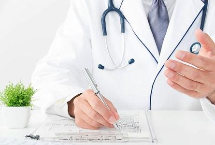 内科の医師