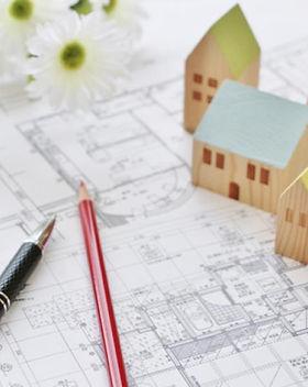 設計図とおもちゃの家.jpg