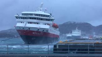 Ship Docking without a tug...