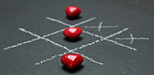 Noughts and crosses hearts.jpg