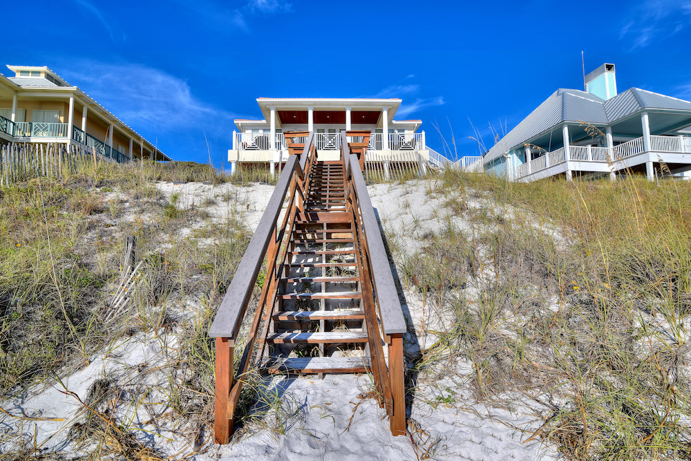 Steps to porch