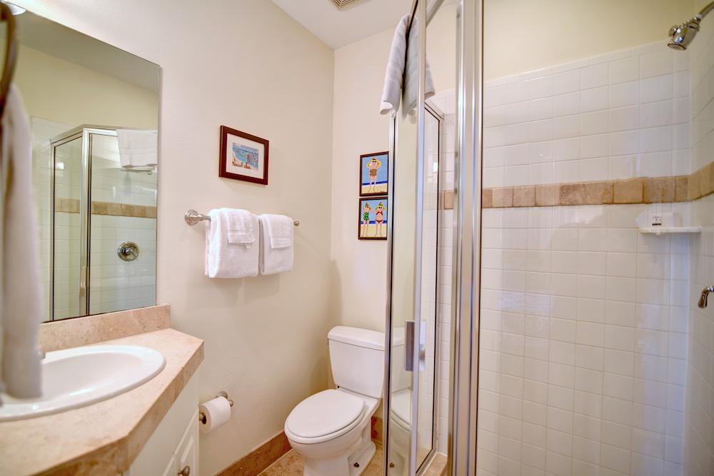 2 Twin Bedroom Bath