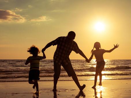 父親與母親對孩子的影响 (7) 之父親的優點 (2) 孩子背後的盾牌