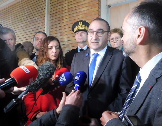 Visite du secrétaire d'Etat à l'école sinistrée des Tamaris à Béziers