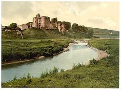 Kidwelly_Castle,_Carmarthen,_Wales-LCCN2