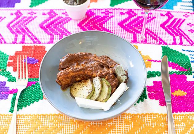 Costillas con Chayote y queso fresco