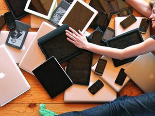 """Microsoft: i tablet e i social """"spengono"""" il cervello. La nostra attenzione è pari a quella dei pesc"""