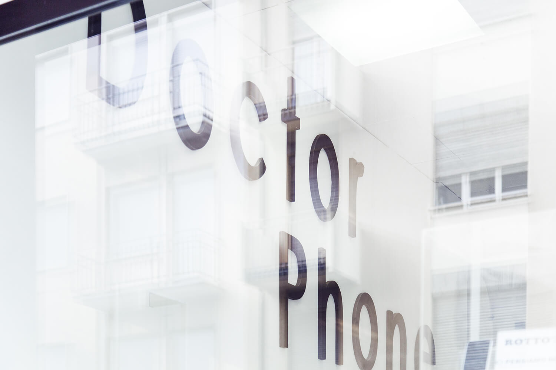 Doctor phone thiene