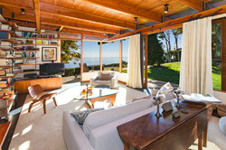 ENCINAL BLUFF HOUSE