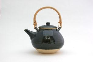 土楽・土瓶(青土釉)