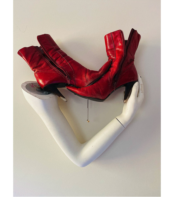 milagro to Anouk/Anoushka's boots, w/tooth
