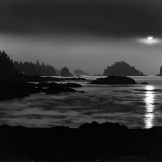 Uclulet Moonrise