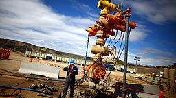 Pressure Control Equipment BOP Valve Hoses Oil & Gas Hard Hat