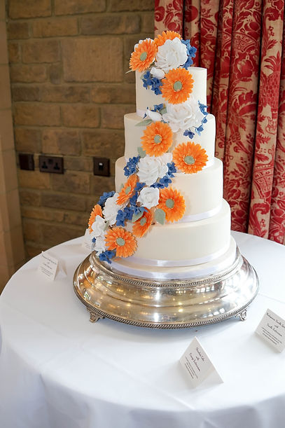 Wedding cake | South Lodge Hotel | Southwater | West Sussex | Keeran Roberts Photography