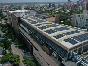 Construyen la planta solar más grande sobre un centro Comercial en Barranquilla