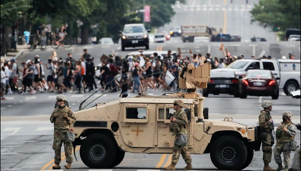 Tanks arrive in Washington DC to control protesters 6/2020